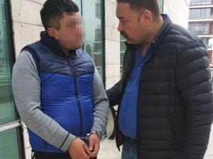 Temizlik işçisi, 13 yaşındaki kız çocuklarına tacizden tutuklandı