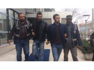 Hırsızlık için girdikleri çiğ köfte dükkanında kola çalan hırsızlar tutuklandı.