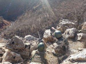 Jandarmadan teröristlerin kış üslenme alanlarına yönelik operasyon