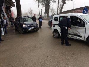 Osmaneli'de zincirleme trafik kazası, 2 yaralı
