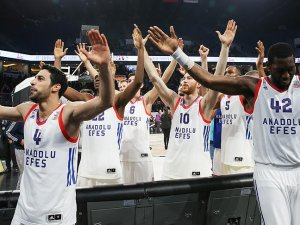Anadolu Efes prestij maçını kazanma peşinde