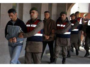 Isparta'da 700 Harbiyeliyi darbeye destek için Ankara'ya götürmeye çalışan 12 sanığa müebbet