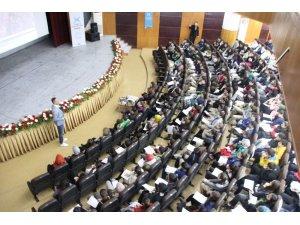 """Gençler """"Doğa ve Teknoloji"""" konferansıyla aydınlandı"""