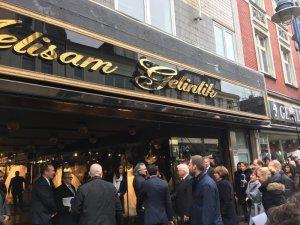 Almanya Cumhurbaşkanı, Türk gelinlik mağazasını ziyaret etti