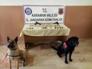 Karaman'da ruhsatsız tabanca ve esrar operasyonu