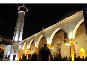 Anadolu'nun ilk camisi Habib-i Neccar Camisi'nde Regaib Kandili