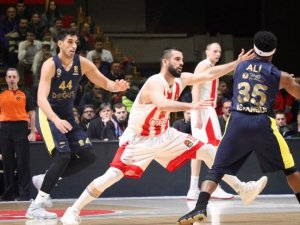 Fenerbahçe Doğuş ilk 4'ü garantiledi