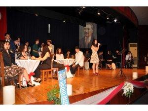 Menderes Anadolu Lisesinden 'Şiir Gecesi'