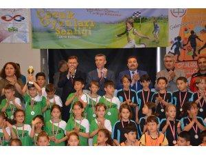 Edremit'te Geleneksel Çocuk Oyunları Şenliği ödül töreni gerçekleşti