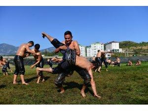 Güreşçiler Kumluca'da kampa girdi