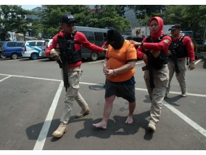 Endonezya'da sahte içkiden 100 kişi öldü
