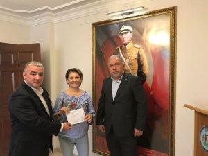 TSYD, standın gelirini Mehmetçik Vakfı'na teslim etti