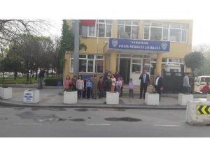 Öğrencilerden polis merkezine ziyaret