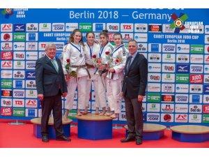 Kağıtsporlu judocular, Almanya'da Türk Bayrağını dalgalandırdı