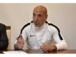 Gümüşhanespor Teknik Direktörü Ziya Doğan'dan basın toplantısı