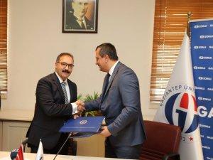 Gaziantep Üniversitesi ile GAZDAŞ arasında eğitim protokolü