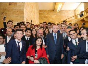 Balıkesir Lisesi öğrencileri Cumhurbaşkanı Erdoğan ile görüştü