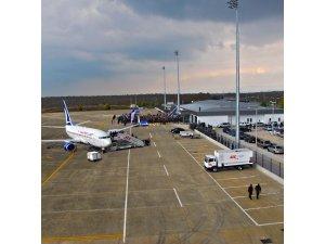 Cengiz Topel Havalimanı bir ayda 5 bin kişiye hizmet verdi