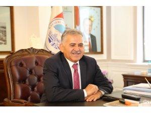 """Büyükkılıç: """"Erciyes Üniversitesi'nin başarıları ile gurur duyuyoruz"""""""