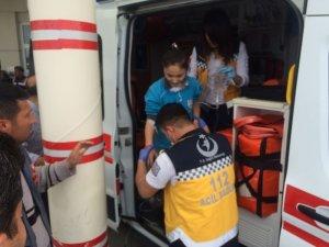 Koridora dökülen temizleyici 21 öğrenciyi hastanelik etti