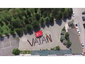 """Mehmetçik için """"Vatan"""" yazıp klip çektiler"""