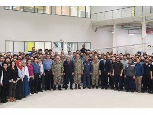 Genelkurmay Başkanı Akar, BAYKAR tesislerini gezdi