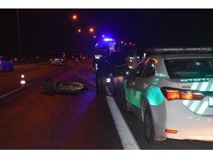 Motosiklet kamyona çarptı: 1 ölü