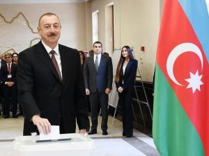 Azerbaycan'da cumhurbaşkanlığı seçimini İlham Aliyev kazandı