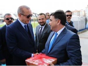 Cumhurbaşkanı Erdoğan'a incirli teşekkür