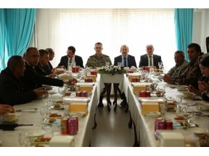 Vali Ali Hamza Pehlivan, şehit aileleriyle yemekte bir araya geldi