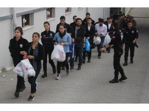 Adana'da 31 PKK'lı adliyeye sevk edildi