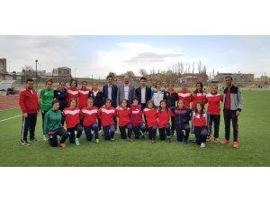 Ağrı ASP GSK kadın futbol takımında parola ikinci lig