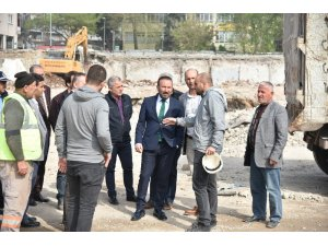 Başkan Doğan, eski hastane alanında inceleme yaptı