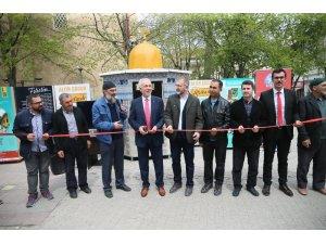 Kudüs'e yardım için oluşturulan standın açılışı Başkan Saraçoğlu yaptı