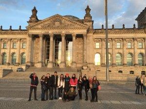 Türkiye'yi Berlin'de Burhaniyeli gençler temsil etti