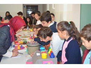 İlköğretim öğrencilerinden, özel eğitim öğrencilerine materyal desteği