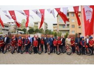Körfez'de 180 çocuk bisikletine kavuştu