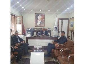 Bozüyük Pazaryerililer Derneği Başkanı Şahinoğlu'dan Başkan Yalçın'a ziyaret