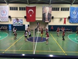 Kaynaşlı kurumlar arası voleybol turnuvası sona erdi