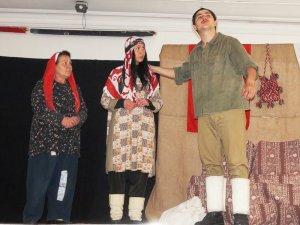 Sarıgöl'de öğrenciler 'Koca Seyit' oyununu ilgiyle izledi