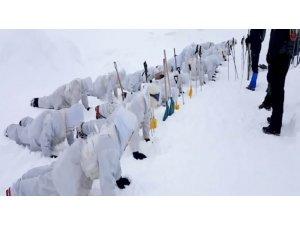 Kar, fırtına, dağ, bayır operasyonlara giden askerler gururlandırdı