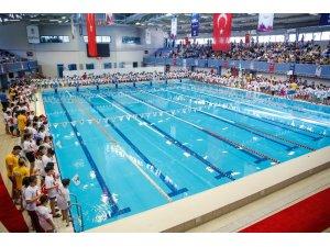Alleben yüzme havuzu dev organizasyona hazır