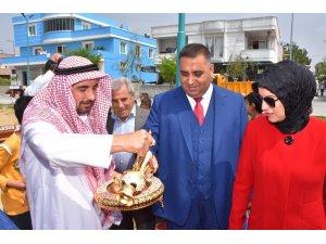 Başkan Can,  zemzem suyu ikram edilerek,  kurbanlar kesilerek ve alkışlarla karşılandı