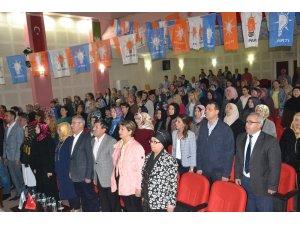 Saruhanlı'da AK Parti'li kadınlarda Çelikoğlu güven tazeledi
