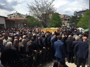 Ölü bulunan yüksek lisans öğrencisi Kübra toprağa verildi