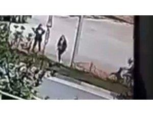 Motosiklet kazası kameraya yansıdı