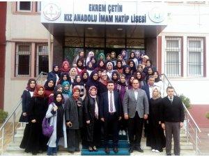 Rektör Karacoşkun öğrencilerle bir araya geldi