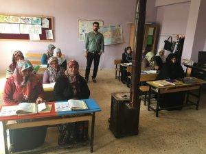 Halk eğitim merkezinin kursiyerleri bir araya geldi