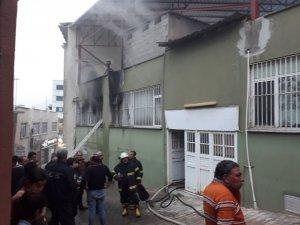 Kozan'da ev yangını