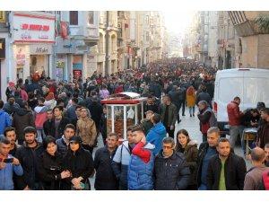 İstanbul 1 yılda yarım milyona yakın göç aldı